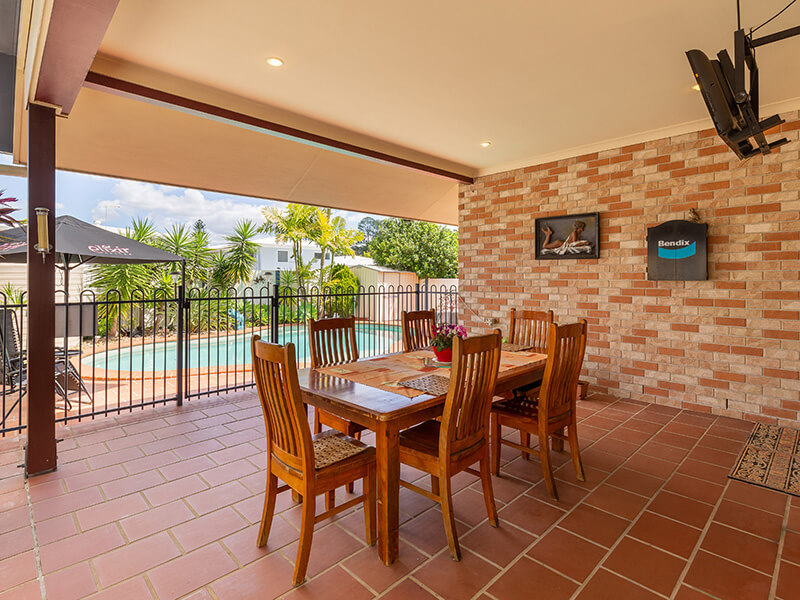 Vivid Productions Residential Photography Kuraby - Dining with View of the Pool