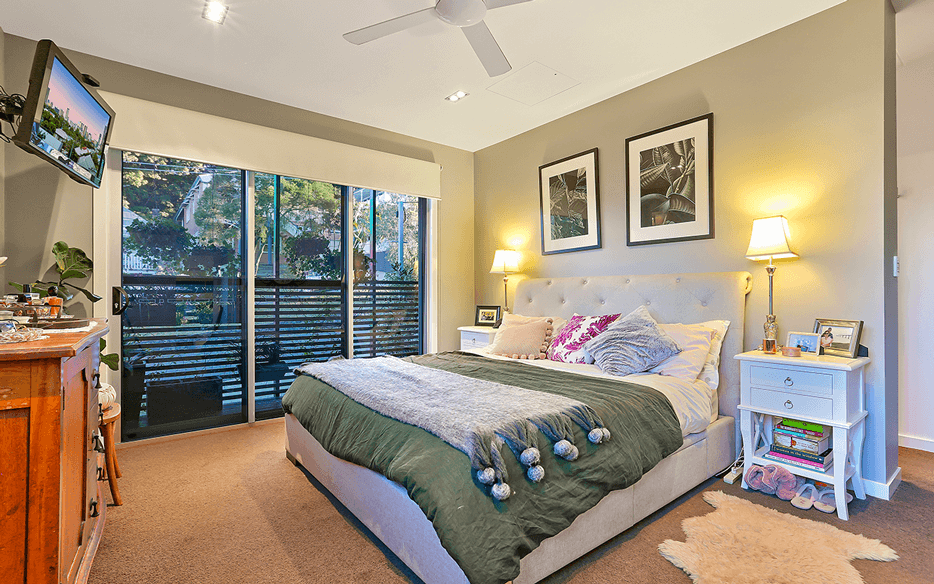 Vivid Productions Residential Photography Modern Architecture - Spacious Masters Bedroom